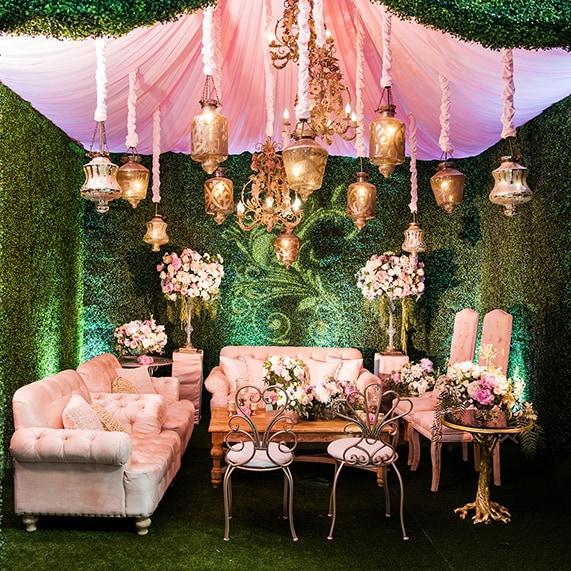 Decor: Alice In Wonderland Whimsical Cocktail Lounge