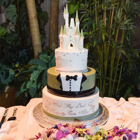 Castle Wedding Cake.Wedding Cake Wednesday Cinderella Castle Tuxedo Cake Disney Weddings