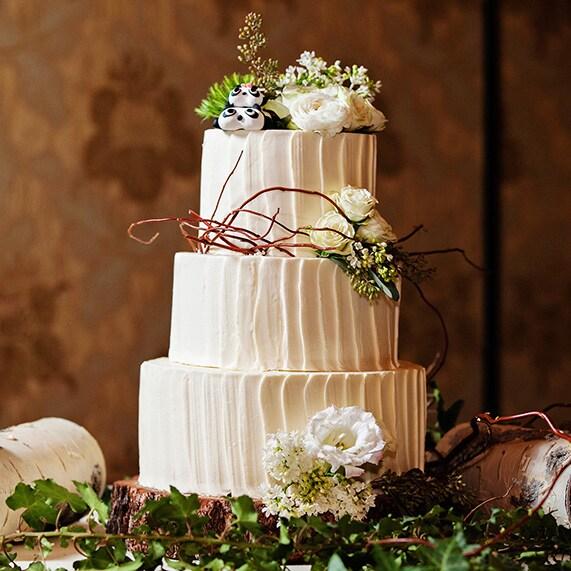 Woodland Themed Wedding Cake: Wedding Cake Wednesday: Whimsical Woodland