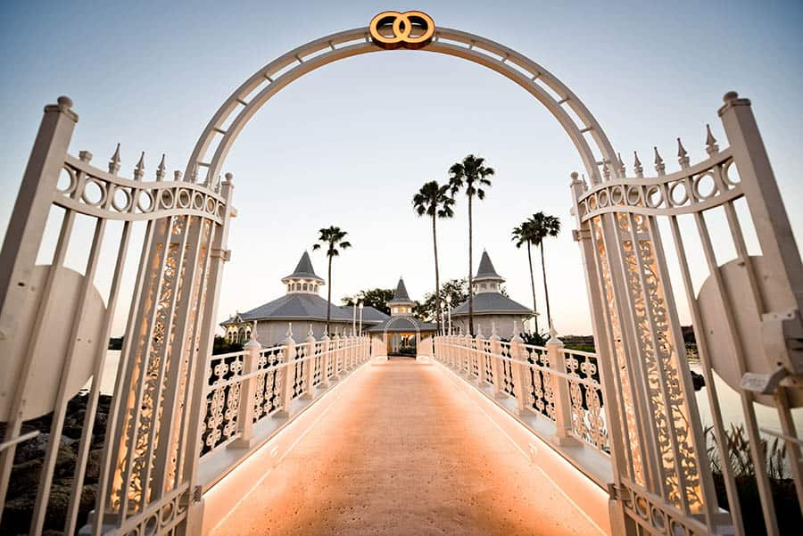 Come See The Newly Re Imagined Disney S Wedding Pavilion With Latest Addition Of A Center Chandelier And Franck Studio Where