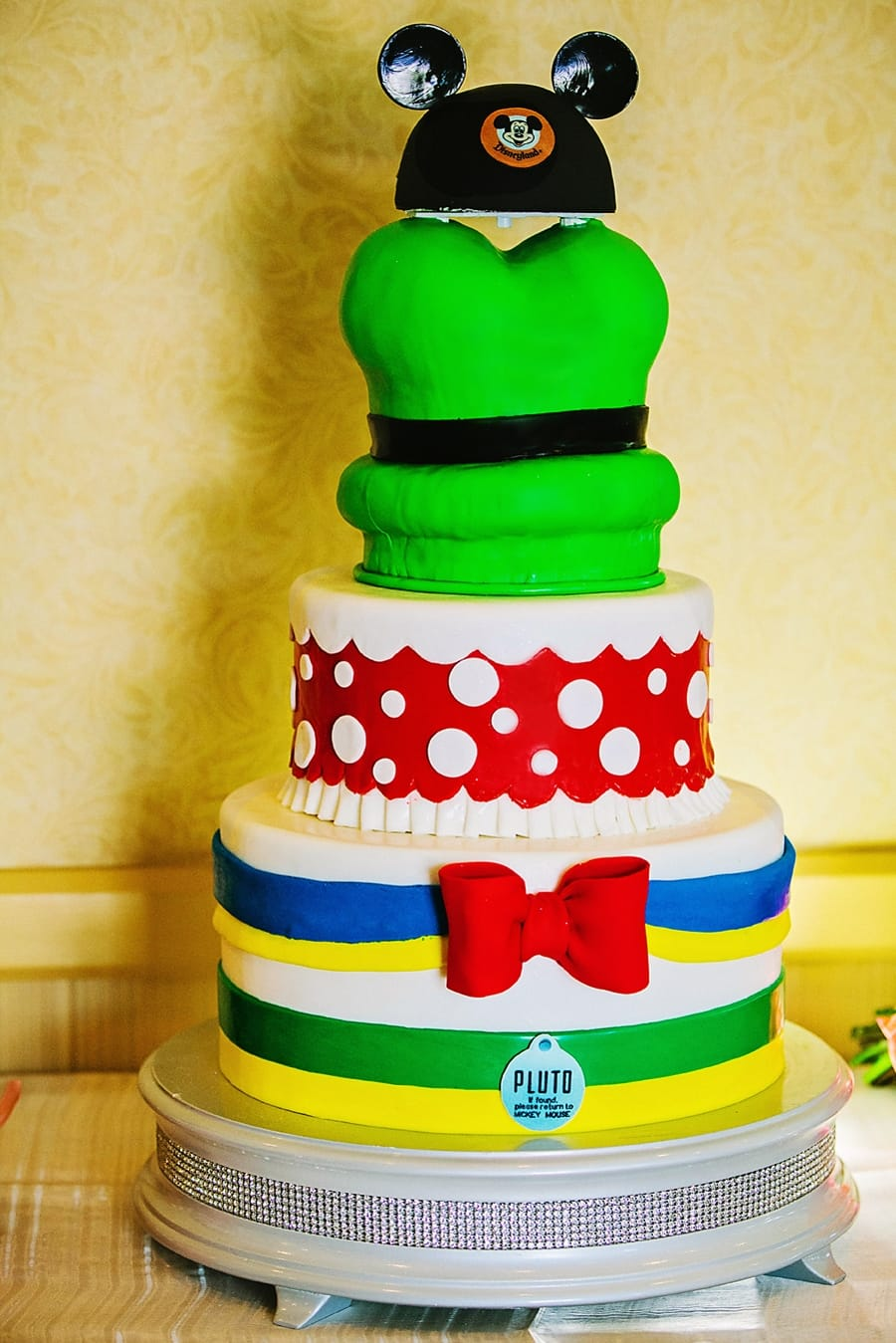 Magnificent Wedding Cake Wednesday Disneyland Characters Disney Weddings Funny Birthday Cards Online Chimdamsfinfo