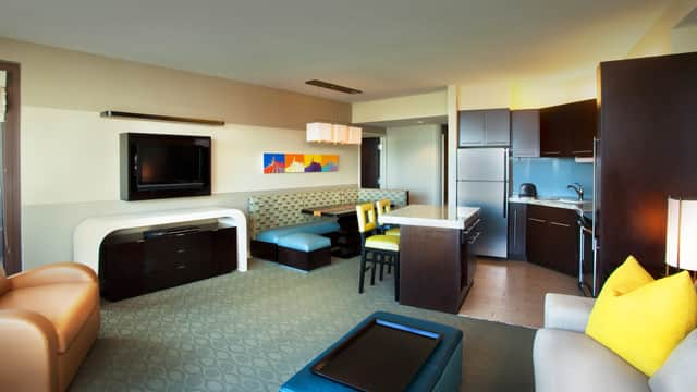 rooms & points   bay lake tower at disney's contemporary